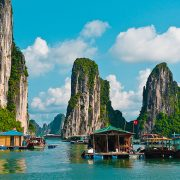 Angeln-In-Halong-Bay-Vietnam-800x435