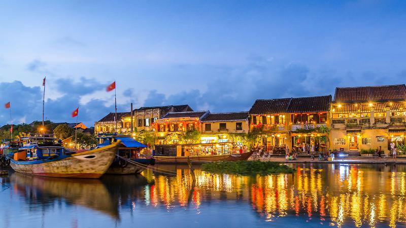 romantic-places-in-vietnam-hoi-an